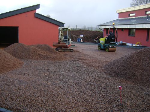 20mm permeable stone