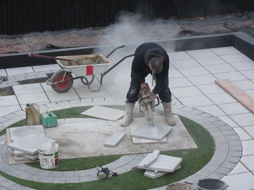 Radius cuts to paving slabs