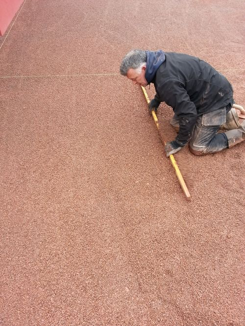 Block paving screeding