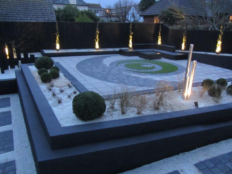 Garden lighting in modern garden