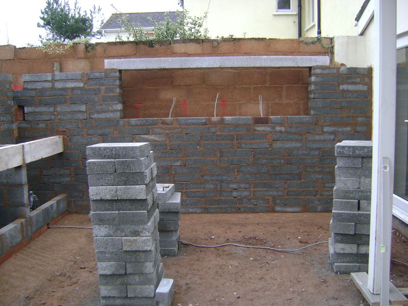 Landscaping feature walling recess