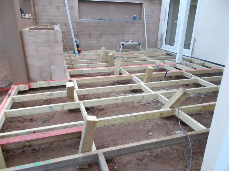 Composite deck supporting legs