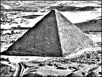 Building_a_pyramid